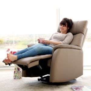 Reviews of 10 Best Recliners for Back Pain Sufferer (2018 – 2020)